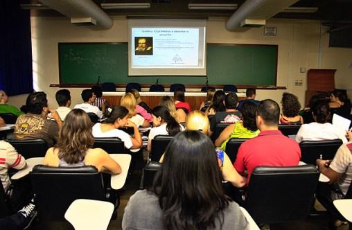 Turma de ensino à distância da USP Ribeirão; decreto do MEC flexibiliza regras para esse tipo de ensino