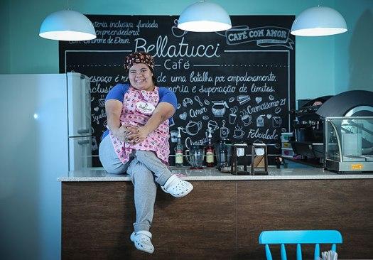 SAO PAULO/ SP, BRASIL, 31-05-2017 : Retrato de Jessica Pereira, 25, que ao longo dos ultimos anos se formou em gastronomia, trabalhou em varios pequenos restaurantes e, agora (dia 15) vai abrir seu próprio cafe/bristro. (Foto: Zanone Fraissat/Folhapress, COTIDIANO) - ESPECIAL***EXCLUSIVO****