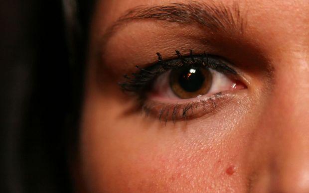 Retina é sensível, tem sistema de autofoco e entrega a imagem limpa e corrigida