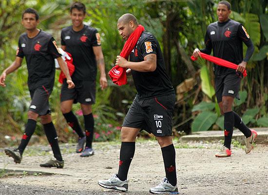 O atacante Adriano após treino do Flamengo