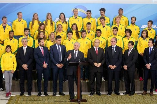 O presidente Michel Temer recebe atletas olímpicos após os Jogos de 2016