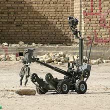 Robô controla bomba em operação no Iraque; exército do futuro será composto de humanoides