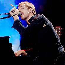 Chris Martin, vocalista do Coldplay; banda é recordista de vendas de disco pela internet