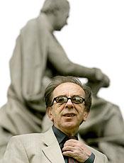 """O escritor albanês Ismail Kadaré, autor de """"Abril Despedaçado"""", entre outros"""