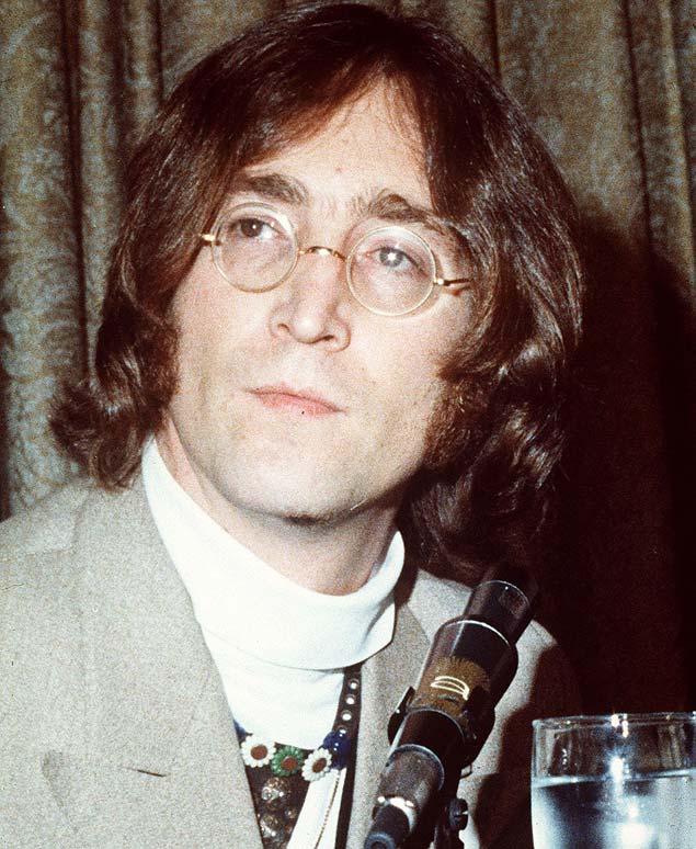 O cantor John Lennon
