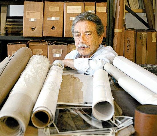Paulo Mendes da Rocha em seu escritório em São Paulo