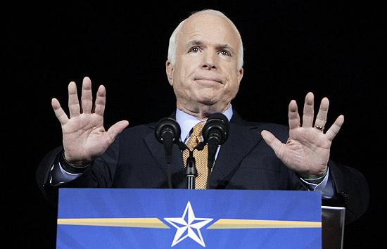 Republicano John McCain, 72, parabenizou nesta quarta o novo presidente dos EUA, Barack Obama, 47