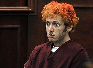 James Holmes comparece a tribunal no Colorado (EUA); ele é acusado de matar 12 pessoas a tiros em uma sala de cinema