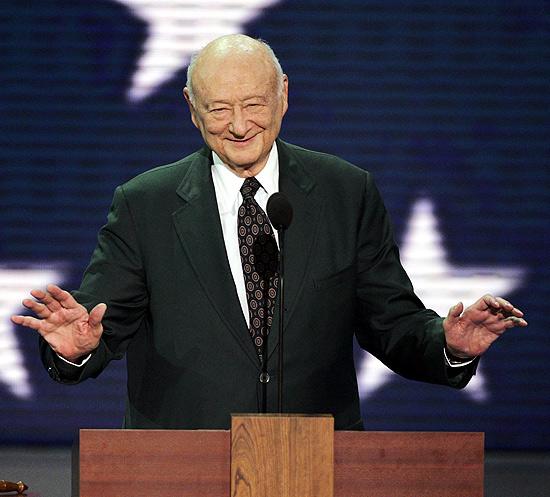 Edward Koch, em discurso na Convenção Republicana de 2004; ex-prefeito de Nova York morre aos 88 anos