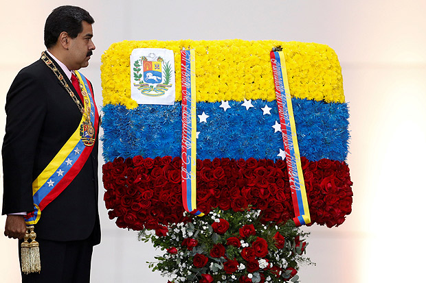 Venezuela's President Nicolas Maduro attends a ceremony at the National Pantheon in Caracas, Venezuela, May 10, 2016. REUTERS/Carlos Garcia Rawlins ORG XMIT: MAB07
