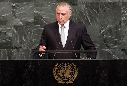(170919) -- NUEVA YORK, septiembre 19, 2017 (Xinhua) -- El presidente de Brasil, Michel Temer, pronuncia un discurso durante el debate general de la 72 sesión de la Asamblea General de la Organización de las Naciones Unidas (ONU), en la sede de la ONU en Nueva York, Estados Unidos, el 19 de septiembre de 2017. (Xinhua/Li Muzi) (jg) (ce)