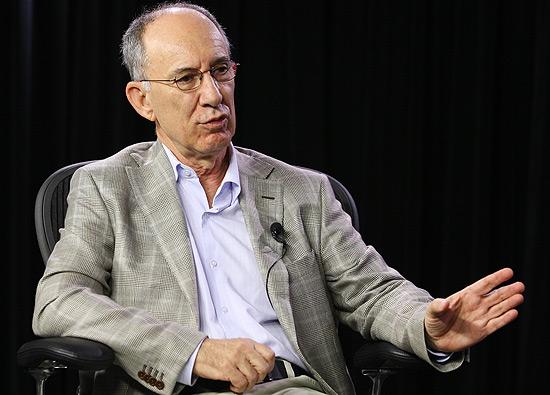 """Rui Falcão durante entrevista ao programa """"Poder e Política""""; veja mais fotos da gravação"""