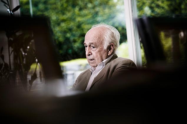 """O economista e ex-ministro Luiz Carlos Bresser-Pereira, 80, que está lançando o livro """"A Construção Política do Brasil"""""""