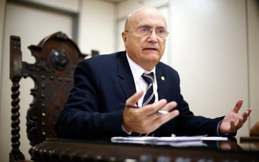 O deputado Osmar Serraglio (PMDB-PR), exonerado do cargo de ministro da Justiça