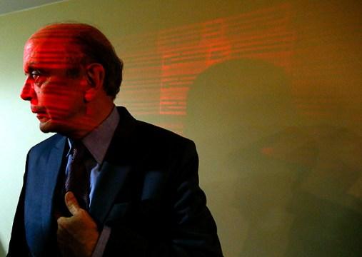 Senador José Serra durante reunião da executiva do PSDB