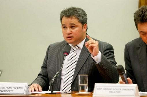 BRASILIA, DF, BRASIL, 03-02-2016, 13h00: O dep. Efraim Filho (DEM-PB) preside a sessão da CPI dos fundos de pensão