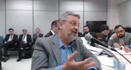 O ex-ministro da Fazenda Antonio Palocci depõe ao juiz Sergio Moro, em Curitiba.