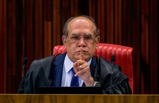 Ministro Gilmar Mendes durante seu voto na sessão de julgamento da cassação da chapa Dilma/Temer