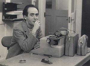 Vladimir Herzog trabalhando em uma redação em 1966