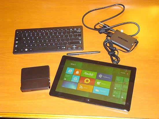 Tablet da Samsung com Windows 8. O aparelho, em fase de testes, foi apresentado pela Microsoft no evento Build, voltado a desenvolvedores