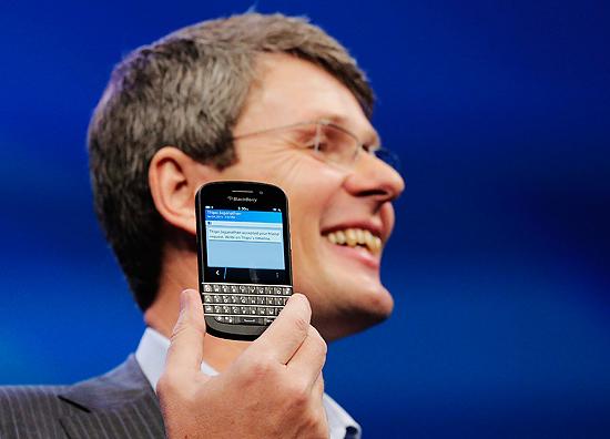 Com uma interface totalmente redesenhada, o BlackBerry 10 está mais distante das versões antigas e mais perto de rivais