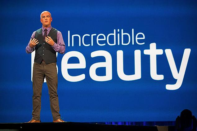 O evangelista e futurólogo da Intel, Steve Brown, fala durante a conferência C2MTL, em Montreal (Canadá)
