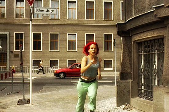 """Cena do filme """"Corra, Lola, Corra"""", filmado em Berlim"""