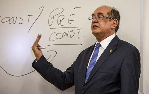 Ministro Gilmar Mendes dá aula na filial paulista do IDP (Instituto de Direito Público), do qual é sócio, na Bela Vista (SP), nesta segunda