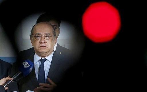 Presidente do TSE, Gilmar Mendes, durante coletiva em após reunião com membros da comissão especial da reforma política, em Brasília