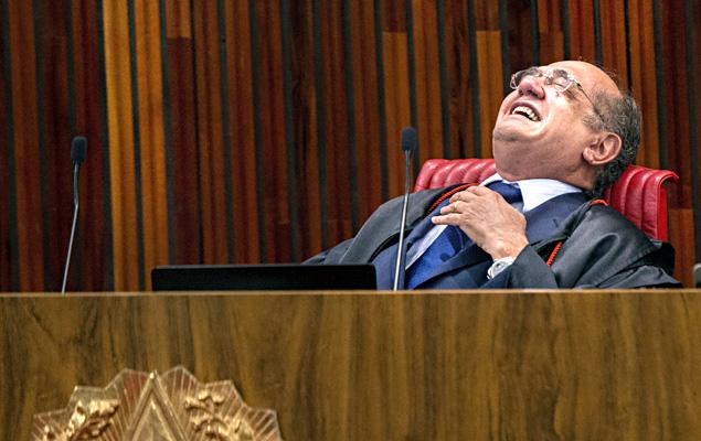 Ministro Gilmar Mendes no plenário do TSE no último dia do julgamento que absolveu chapa Dilma-Temer