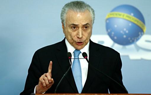 O presidente Michel Temer durante pronunciamento após a aprovação do parecer da CCJ (Comissão de Constituição e Justiça) no plenário da Câmara dos Deputados, contrário à admissibilidade da denúncia