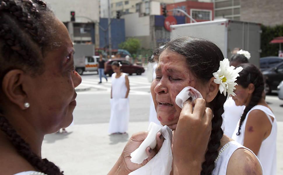 Mulheres participam da intervenção