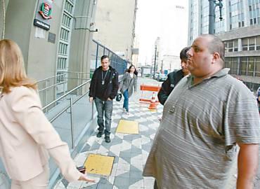 Metaleiro, ex-presidente da Gaviões, chega para depoimento na Polícia Civil no centro de São Paulo