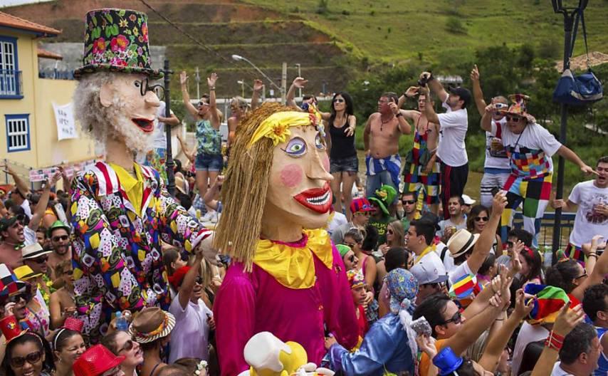 Foliões participam do Carnaval em São Luiz do Paraitinga, interior de São Paulo