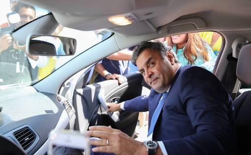 Resultado de imagem para JBS diz que pagou R$ 60 milhões em propina para Aécio Neves em 2014