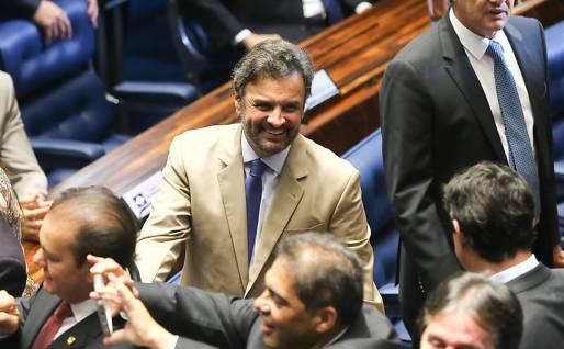 Resultado de imagem para Aécio Neves vai ao Supremo para tentar retomar mandato no Senado