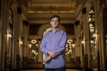 O secretário de Cultura André Sturm no Theatro Municipal de São Paulo
