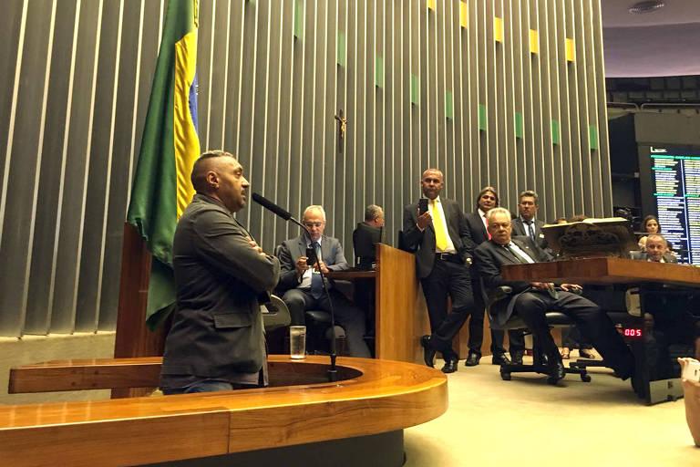 15125839875a28333336e49 1512583987 3x2 md - 'Se não sair do pedestal, Bolsonaro será o pior presidente', diz Tiririca