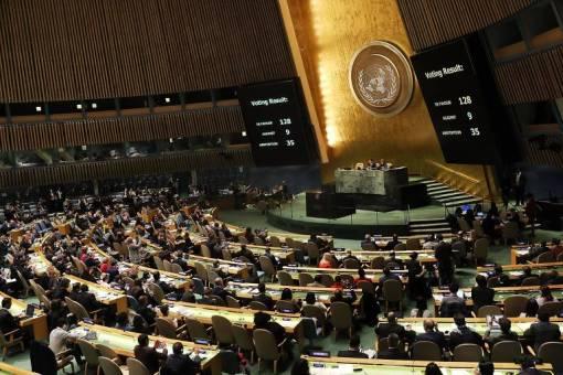 Painel mostra resultado de votação na Assembleia Geral da ONU, em Nova York