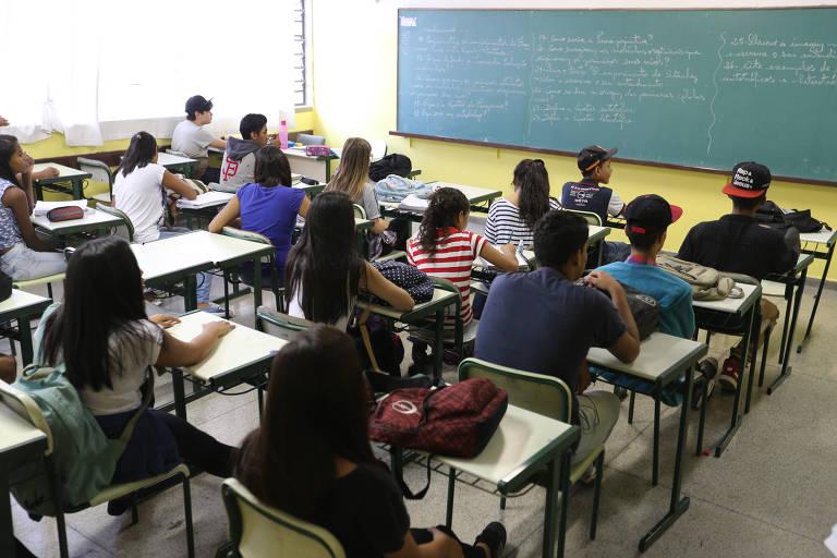 15174485135a726d41e8f6e 1517448513 3x2 md - Sob pressão, Temer mudará base curricular para o ensino médio