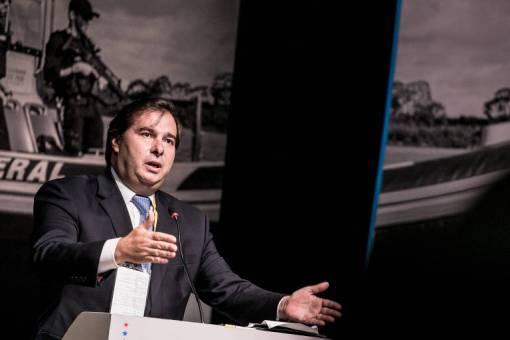 Rodrigo Maia, do DEM, fala durante seminário em Brasília; seu partido é um dos que teve crescimento mais expressivo na Câmara