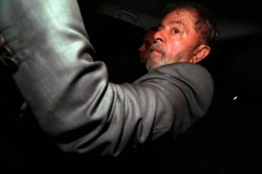 Resultado de imagem para Lula tem até amanhã para se entregar, ordena Moro