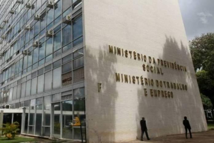 Fachada do prédio do Ministério do Trabalho e Emprego, em Brasília