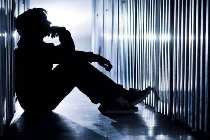 Depressão e transtornos mentais estão fortemente associados ao suicídio; no Brasil, há mais de 11 mil casos por ano, segundo Ministério da Saúde