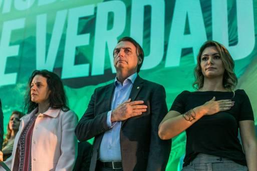 Jair Bolsonaro ao lado de Janaina Paschoal
