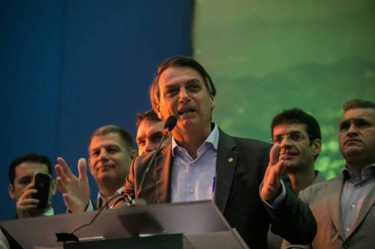 Jair Bolsonaro fala durante convenção