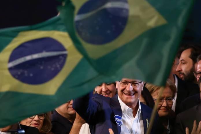 Convenção nacional do PSDB, em Brasília, oficializa Geraldo Alckmin como candidato a presidente nas eleições de 2018; a senadora Ana Amélia (PP-RS) será candidata a vice