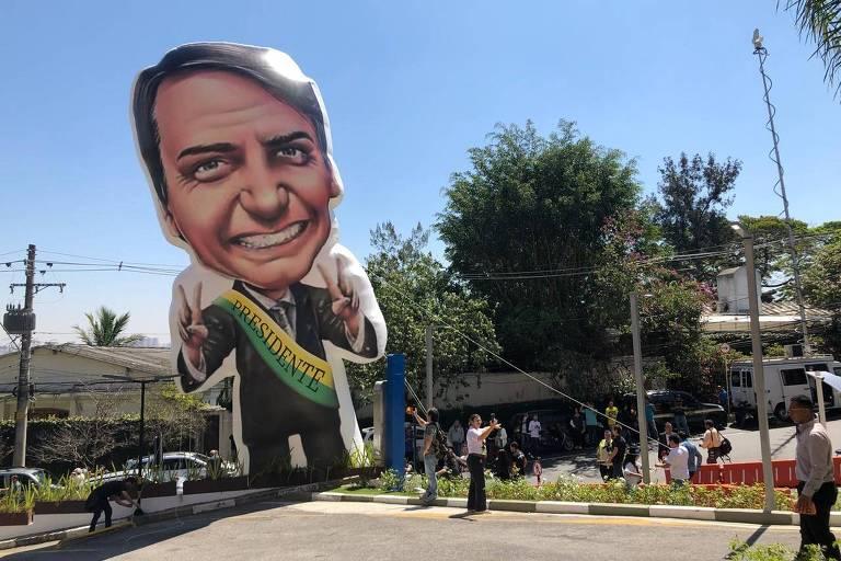 15363336485b92975026eb4_1536333648_3x2_md Bolsonaro passará sua campanha para as redes e deixará ruas para aliados