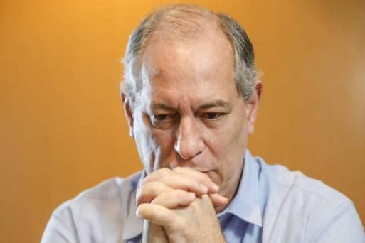 O candidato derrotado à Presidência pelo PDT, Ciro Gomes, durante entrevista em seu apartamento em Fortaleza