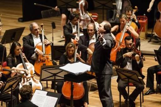 LOCAL E DATA DESCONHECIDA: Música: o regente Roberto Minczuk, durante apresentação com a Orquestra Sinfônica Brasileira, (Foto: Cícero Rodrigues/Divulgação) ***DIREITOS RESERVADOS. NÃO PUBLICAR SEM AUTORIZAÇÃO DO DETENTOR DOS DIREITOS AUTORAIS E DE IMAGEM***